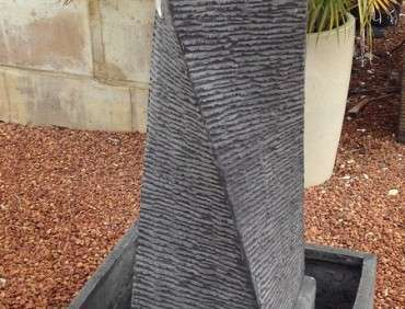 01003 Twisted Column Fountain